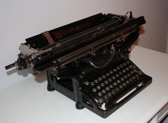 Tipógrafo o Máquina de Escribir