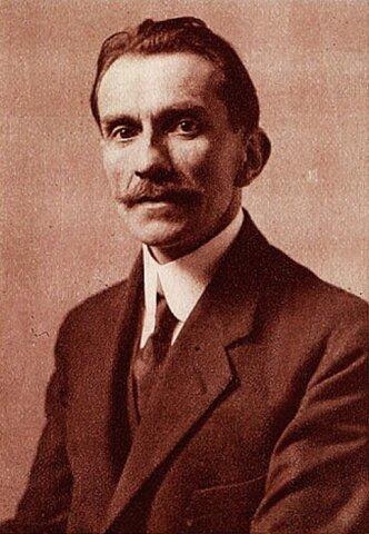 Enrique Molina Garmendia (1871-1964) Chile