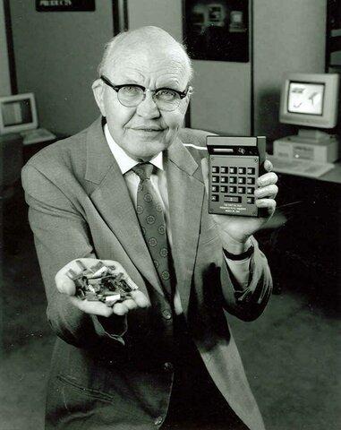 Jack Kilby inventa el circuito integrado, usándose en un principio para chips de memoria