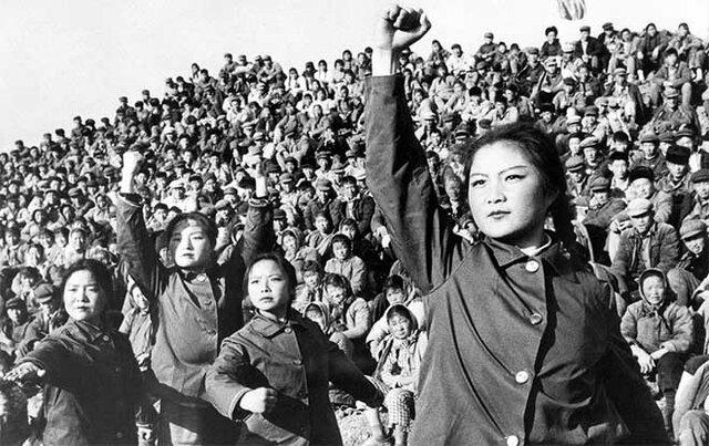 Revolución instaura una República