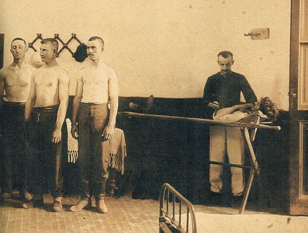 1901 Ley del servicio militar obligatorio.