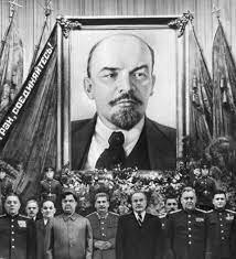 Muere de Lenin / Primera Constitución de la URSS