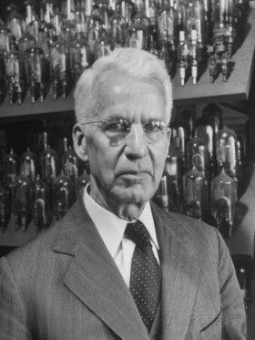 Albert Hull