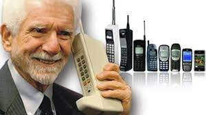 •First Cell-Phones (1973)