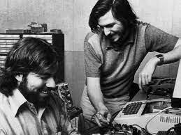 •Steve Jobs Starts Apple (1976)