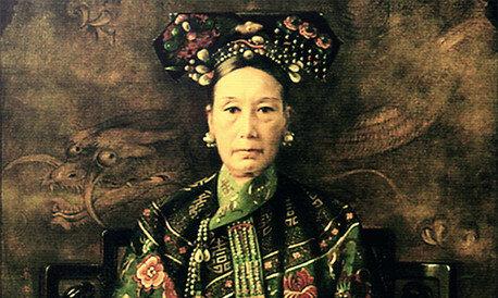 La emperatriz Cixi dirige sola el gobierno