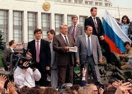•Soviet Union Collapses (1991)