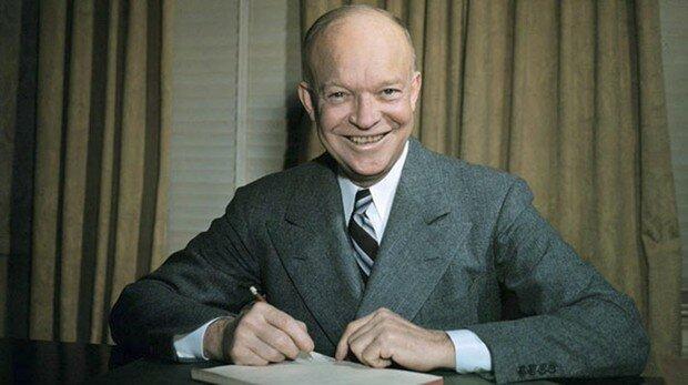 Eisenhower arriba al poder als EUA