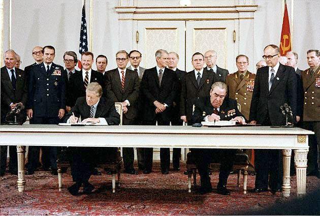 Acords SALT (Strategic Arms Limitation Talks)