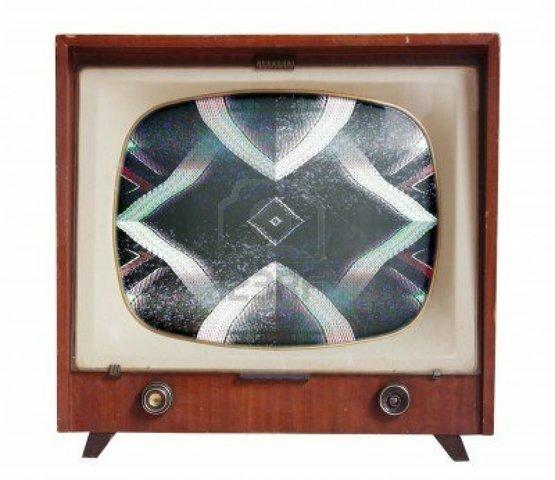 Televisión con imágenes muy crudas y sin movimiento.