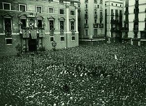 La proclamación de la Segunda República Española.