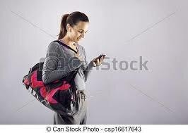 Elle se prépare pour aller au lycée à 7h25
