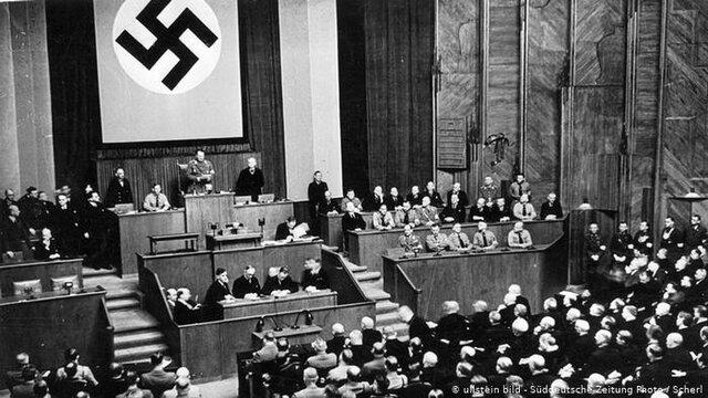 Ley de plenos poderes al Führer  (Fas.)