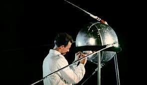 Entrada en orbita Sputnick, primer satélite artificial soviético.