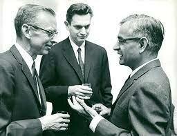 arshall W. Nirenberg, a Har Gobind Khorana, y a Roberto W. Holley.