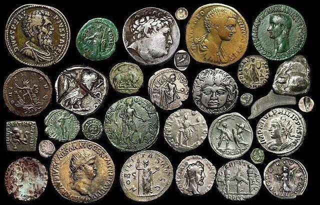 Aparecen las monedas