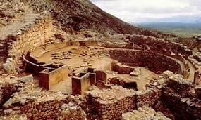 La Civilització Micènica va ser destruïda per diversos invasors