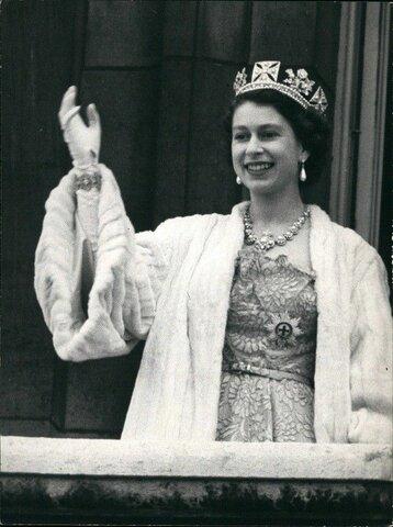 Elizabeth ll became queen