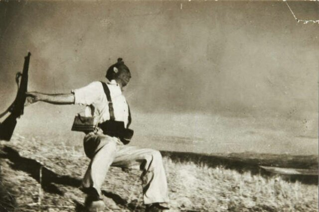 Robert Capa - Mort d'un milicià