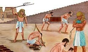 Relato de la esclavización de los hebreos en Egipto durante 300 años