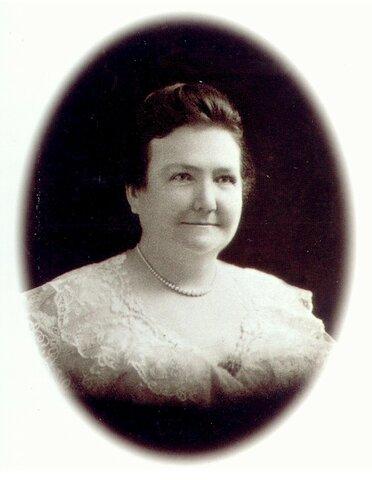 Se gradúa de la Facultad de medicina (UBA) Cecilia Grierson: la primera médica argentina.