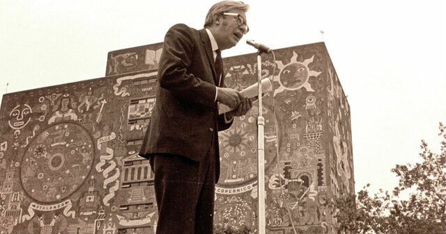 Muere Heberto Castillo, ingeniero y dirigente social, también fue fundador del Partido Mexicano de los Trabajadores, del Partido Mexicano Socialista y del Partido de la Revolución democrática.