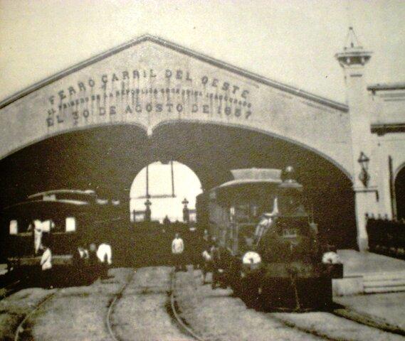 Se inaugura el ferrocarril del oeste