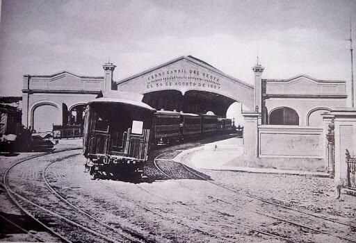 el ferrocarril amplio los continentes de la ciudad
