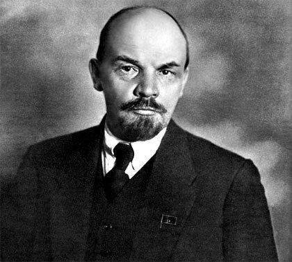 Nace Nicolás Lenin, organizador del sistema de gobierno de la antigua Unión Soviética.