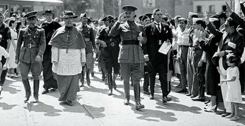 Queipo de Llano se subleva en Sevilla (18 de julio)