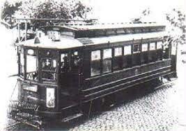 """Aparecieron los primeros """"tramways"""" eléctricos."""