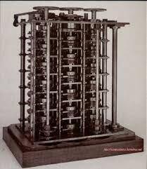 Charles Babbage, creÓ una maquina diferencial para desarrollar polinomios.