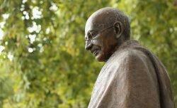 (1869-1948) Mahatma Gandhi