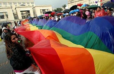 Homosexuales contraen matrimonio por primera vez