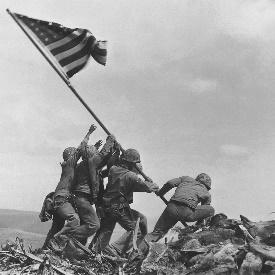 Estados Unidos derrota a Japón en la batalla de Midway.
