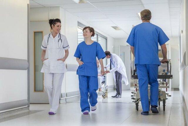 Trabajadores de salud enferman