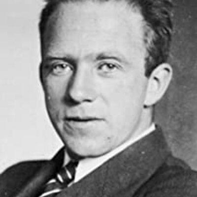 Werner Heisenberg (Dec 5, 1901 - Feb 1, 1976) timeline