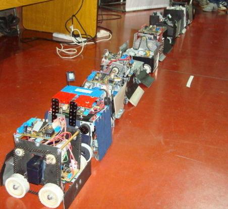 Competencia de sumo robot para la enseñanza de electrónica y robótica práctica