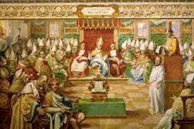 Primer concilio ecuménico en Nicea, se redacta el credo