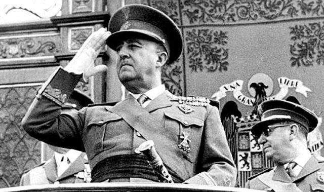 Franco Espainian diktadore