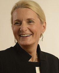 Erste Frau Direktorin des Deutschen Zentrums für Luft- und Raumfahrt (DLR)