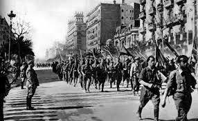 Las tropas nacionales entran en Madrid sin resistencia
