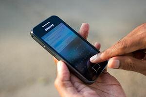 telefono pantalla táctil