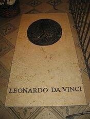 Tumba de Leonardo da Vinci en la capilla de Saint-Hubert, en Amboise, Francia