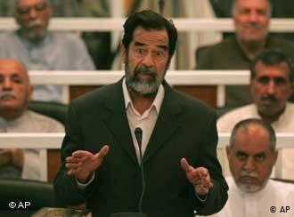 Saddam Hussein anuncia retirada