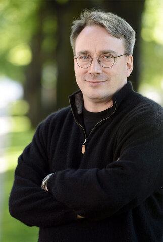 Linus Torvalds ( nac 1969 )