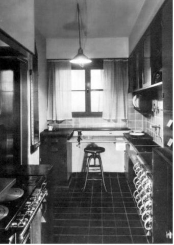 Las assembled kitchen-Cocina Americana