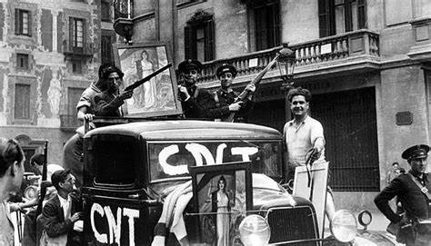 Luchan entre sí en Barcelona distintas fuerzas republicanas enfrentadas a causa de la primacía de la revolución o la organización militar.