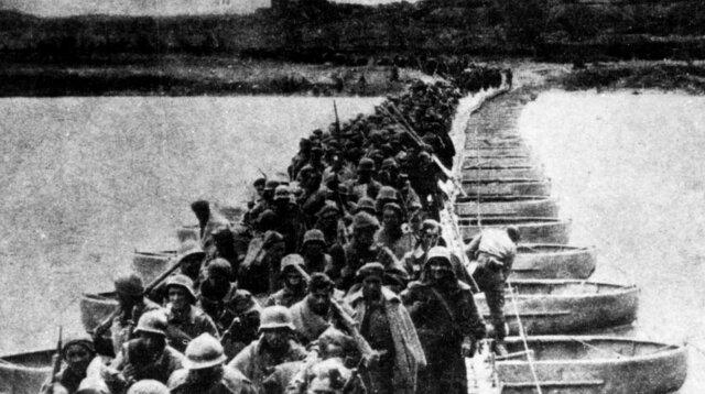 Comienza la batalla del Ebro con el avance republicano