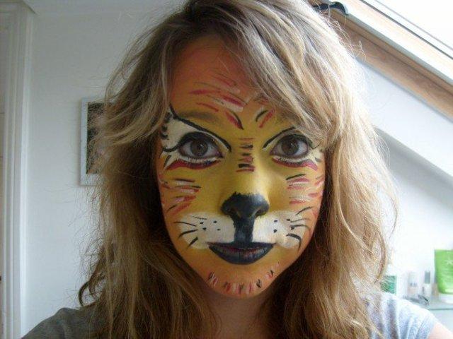 Jag försörjer mig som ansiktsmålare